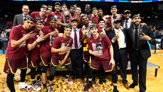 loyola-chicago-vs-michigan-history-all-time.jpg