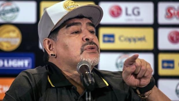 fbl-mex-argentina-dorados-coach-maradona-presentation-5b9704ccecc23a23cd000001.jpg