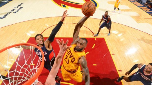 LeBron James Becomes First NBA Player with 30K Points, 8K Rebounds and 8K Assists - IMAGE