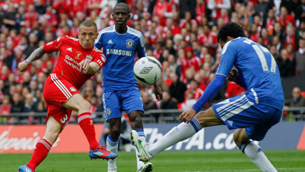 liverpool-s-welsh-striker-craig-bellamy-5af191e07134f6abe3000001.jpg