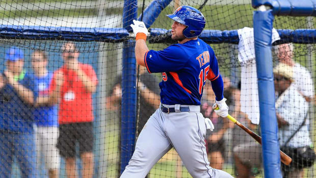 Mets Prospect Tim Tebow Likely Out For Season After Breaking His Right Hand - IMAGE
