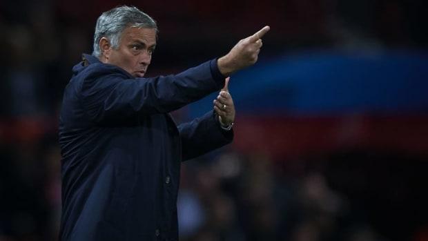 manchester-united-v-valencia-uefa-champions-league-group-h-5bb86d232290127b87000022.jpg