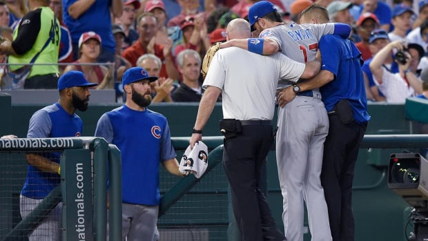 Cubs third baseman Kris Bryant exits game with Injury - IMAGE