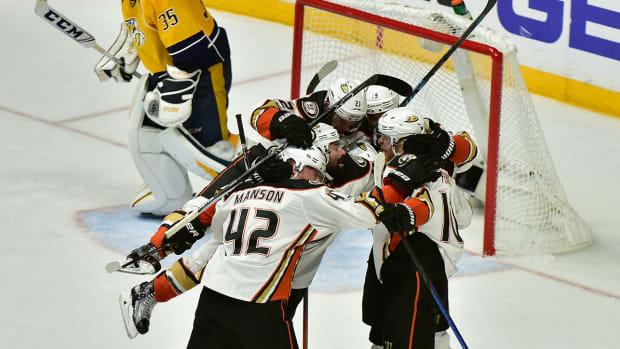 ducks-celebrate-nhl-playoffs-1300.jpg