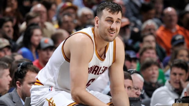 Lakers, Andrew Bogut Agree to 1-Year Deal - IMAGE