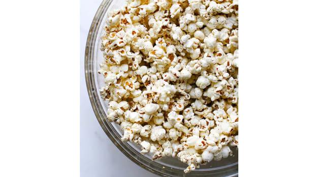 super-bowl-recipes-zaatar-popcorn.jpg