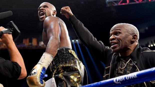 Floyd Mayweather Defeats Conor McGregor By 10th-Round TKO--IMAGE