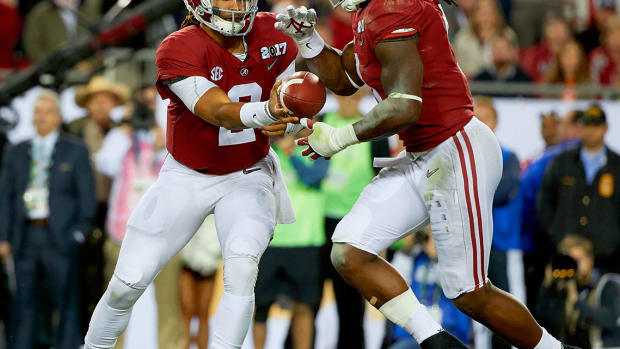 Alabama-Jalen-Hurts-Bo-Scarbrough-SI681_TK1_00836.jpg