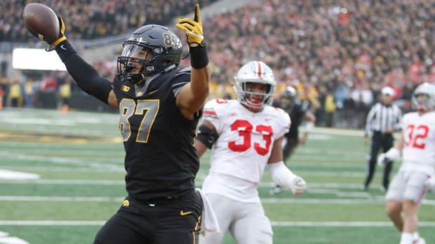Iowa Destroys No. 6 Ohio State 55-24--IMAGE