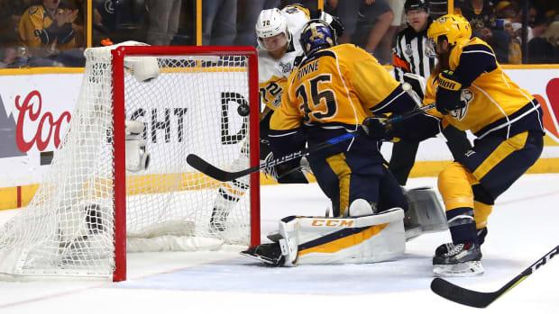 patric-hornqvist-penguins-game-6-winner-1300.jpg