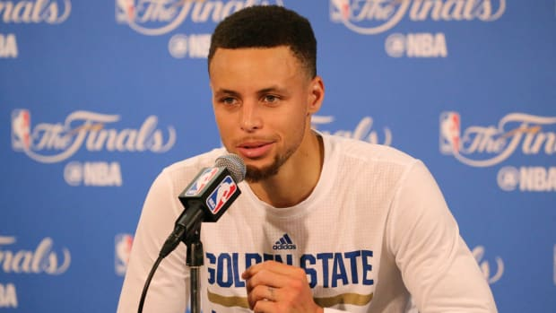stephen-curry-press-conference.jpg