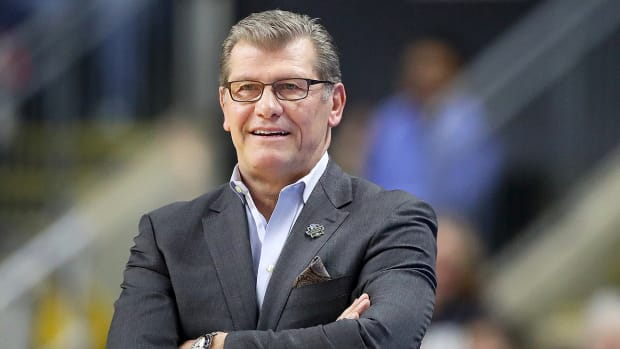 geno-auriemma-uconn-womens-basketball-preview.jpg