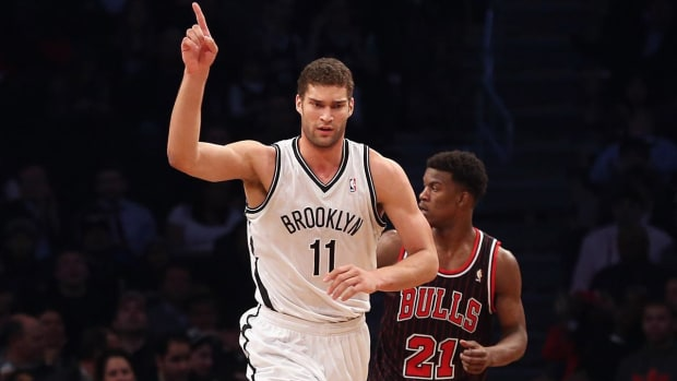 Report: Lakers trade D'Angelo Russell, Mozgov to Brooklyn for Brook Lopez and 27th pick--IMAGE