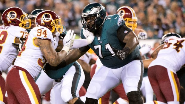 Eagles Left Tackle Jason Peters Carted Off Field--IMAGE