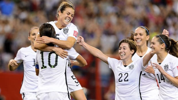 USWNT regain top spot in FIFA rankings