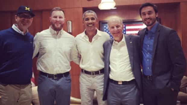 jim-harbaugh-barack-obama-michigan-football-game.png