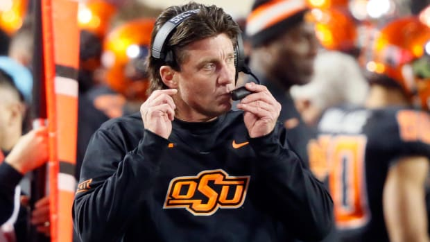 mike-gundy-tennessee-volunteers-coaching-search-dave-doeren.jpg