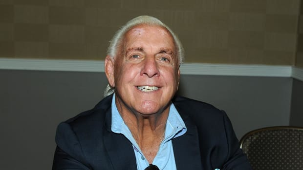 Ric Flair says he injured hand fighting Warriors fan - IMAGE