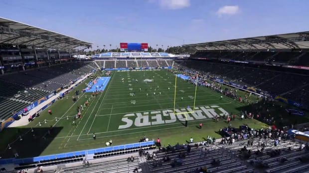 Here's How StubHub Center Transforms From Soccer to Football for NFL Sundays--IMAGE