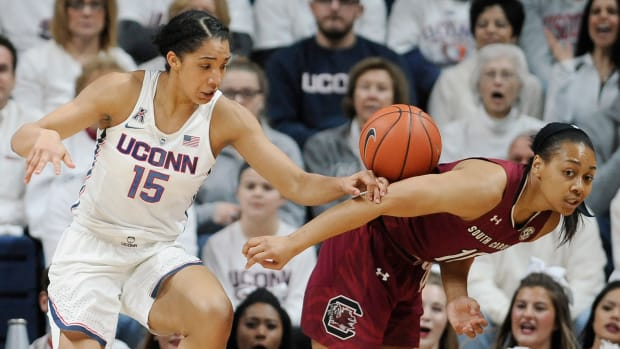 uconn-womens-basketball-100-wins.jpg