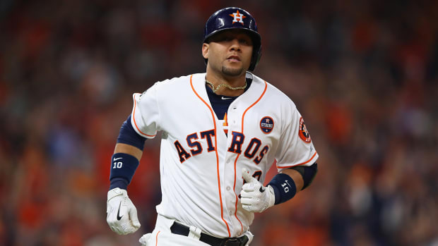 gurriel-worldseries-game3.jpg