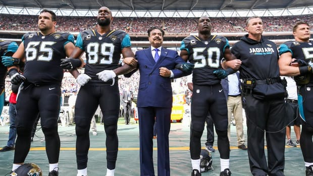 Jags Owner Khan: Trump vs. NFL Is 'Personal' For The President--IMAGE