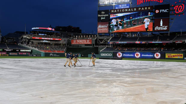 nationals-weird-rain-delay.jpg