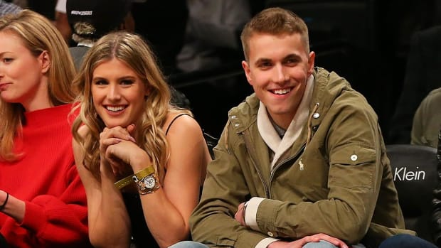 Genie Bouchard says she'll go on a second date with Twitter fan - IMAGE