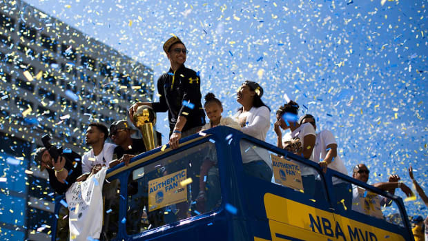 Warriors celebrate championship with wild parade--IMAGE