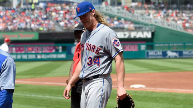 Noah Syndergaard exits start in second inning with apparent arm injury - IMAGE