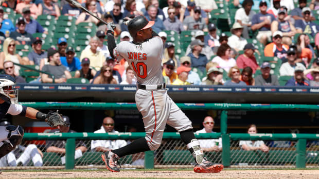 adam-jones-fenway-story.jpg