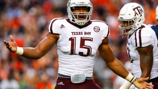 Myles Garrett pleads with Dallas Cowboys to trade up and draft him--IMAGE