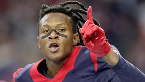 Report: Texans Sign DeAndre Hopkins to 5-Year Extension With $49 Million Guaranteed - IMAGE