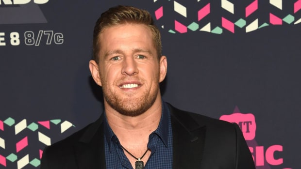 J.J. Watt's Hurricane Harvey Relief Fund Surpassed $4 Million  - IMAGE