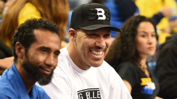 Lonzo Ball's father LaVar makes big claims about his son - IMAGE