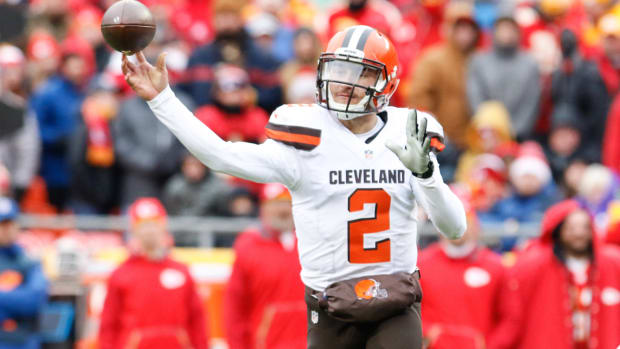 johnny-manziel-cfl-contract-approval.jpg