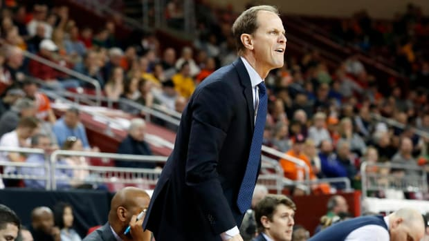Washington hires Syracuse assistant Mike Hopkins as new head coach - IMAGE