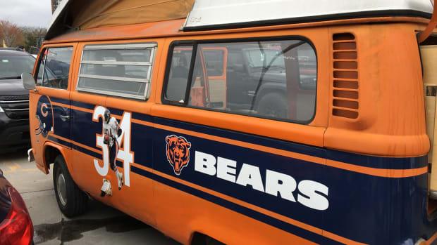 chicago-bears-payton-van.jpg