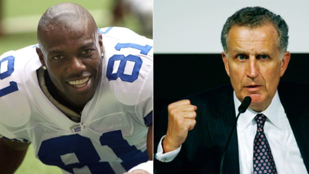 terrell-owens-paul-tagliabue-hall-of-fame-vote.jpg