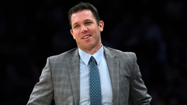 Luke Walton says LaVar Ball's opinionated nature won't be an issue--IMAGE