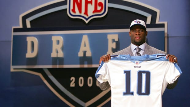 vince-young-nfl-draft-titans-board.jpg