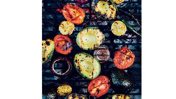 super-bowl-recipes-smoky-and-chunky-guacamole-.jpg