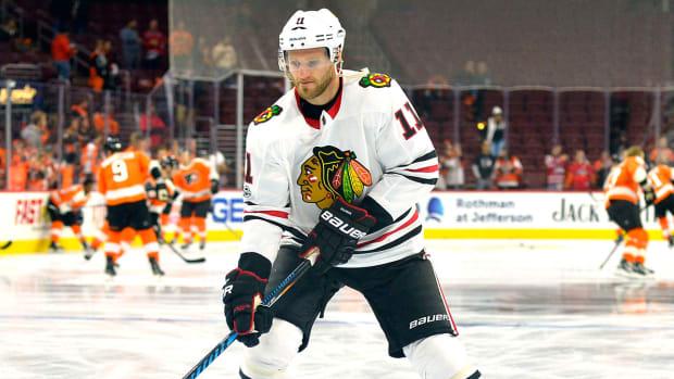 cody-franson-blackhawks-upper-body-injury.jpg