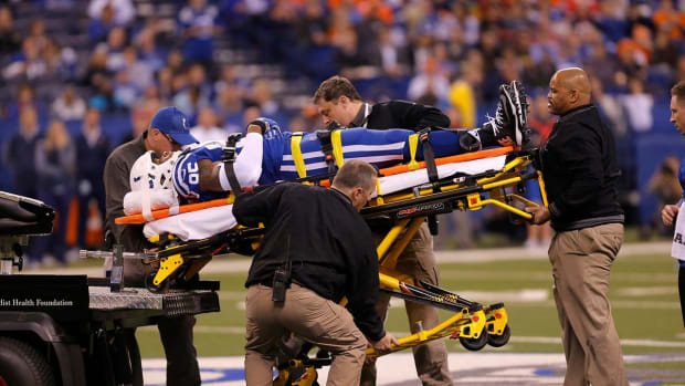 Colts' Brandon Williams Carted Off Field With Head Injury - IMAGE