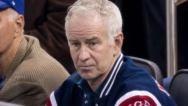 John McEnroe refuses to apologize to Serena Williams - IMAGE