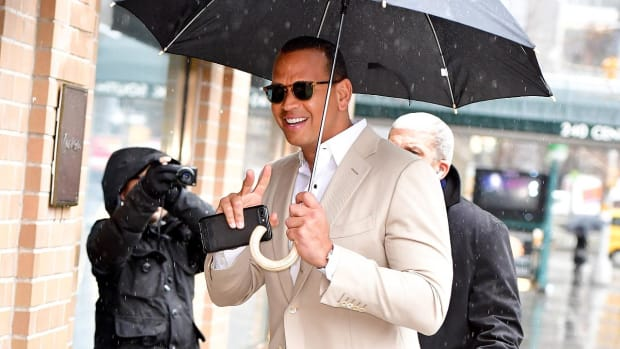 Alex Rodriguez passes on chance to join group bidding to buy Marlins--IMAGE