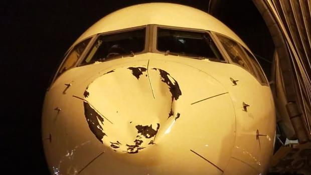 thunder-team-plane-dented.jpg