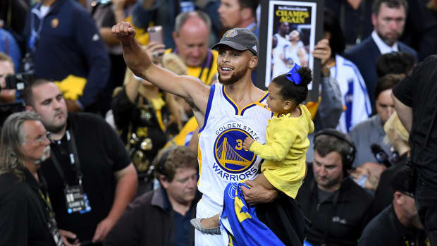 stephen-curry-warriors-white-house-visit.jpg
