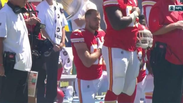 chiefs-chargers-anthem-protests.jpg