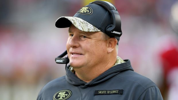 Chip Kelly Hired By UCLA, Heads Back to Pac-12--IMAGE